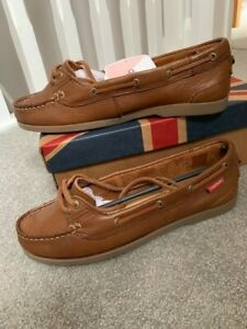Ladies Boat Shoes. Chatham Sport. Size 6. NEW