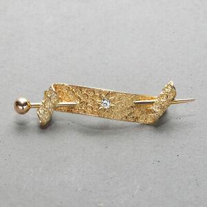 Diamond Flag Pin in 14kt Yellow Gold