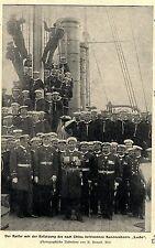 China * Der Kaiser mit der Besatzung des Kanonenbootes Iltis * Bilddokument 1900