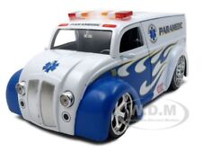 DIV CRUISER BUS PARAMEDICS AMBULANCE 1:24 DIECAST MODEL BY JADA 96237