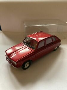 Vintage 70s Solido Renault 16 rare met red  1:30 Made In France
