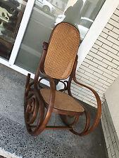 Bugholzschaukelstuhl-Schaukelstuhl-Bugholz-Wiener Geflecht-Sessel-Stuhl- sessel