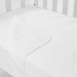 Cot Quilt Coverlet Classic White