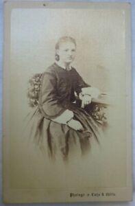 153. CdV Vornehme Dame Fotograf Lutze & Witte, Magdeburg um 1860 - 1880
