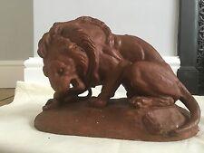 Terre cuite plâtre modèle lion et serpent après Antoine Louis Barye Signé