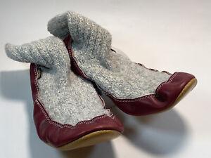 Acorn Women's Gray Cotton And Leather Burgundy Slipper Socks Size WL 9-10