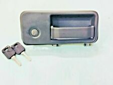 Volvo VNL Truck Door Handle with 2 Key Right Side Part No 20398467 41664 1062566