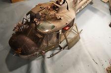 Abgestürtzter  Bell UH-1B Hubschr in Vietnam - Selbstbau aus Metall 1:16 bemalt