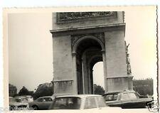 Voitures anciennes Paris Arc de triomphe  - photo ancienne an. 1950