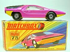 """Matchbox SF Nr.75B Alfa Carabo lilametallic & gelb """"I"""" Box kleine Fehler"""