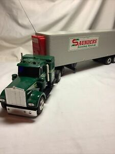 Saunders Leasing System Semi Tractor Trailer Truck Remote Radio Controlled Model
