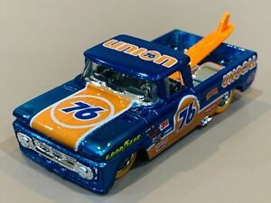 Hot Wheels '62 Chevy Custom 'Union 76' Spectra Blue Metal Base & Real Riders