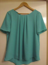 Green Short Sleeve Top in Size 10