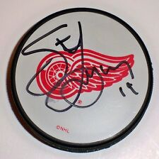 STEVE YZERMAN Signed RED WINGS PUCK w/HOCKEYTOWN AUTHENTICS COA