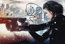 MILLA JOVOVICH signed Autogramm 20x30cm RESIDENT EVIL in Person autograph COA