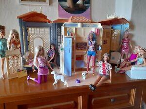 10 Barbie Puppen mit Barbie Ferien Strand Haus  mit Schwestern Skipper und...