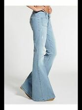 New Women's sz 23 GUESS 70s Mid-Rise Flare Jeans in Otis Wash