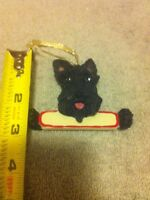 SCHNAUZER--CHRISTMAS DOG ORNAMENT--RESIN-----FREE SHIP--NEW