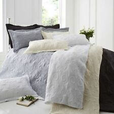 Polyester Embroidered Decorative Quilts & Bedspreads