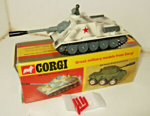 Vintage Corgi 905 Su100 Russian Tank Destroyer with Box, Fire Action & shells.