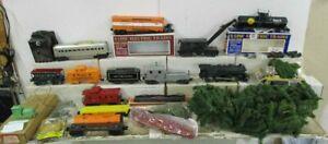 MISC. MODEL TRAIN ITEM LOT (U)