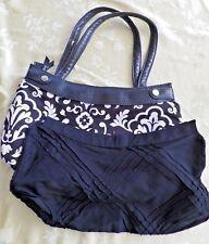 Thirty One Skirt Purse Black/White Parisian Pop + Black Textured Skirt 2 Straps
