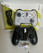 UNIVERSAL Mobile Game Controller Phone with Joystick Black / White