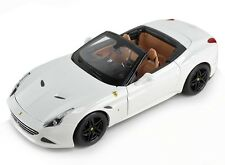 BBurago Signature Series 1/18 Ferrari California T Open Top White 16904 Burago