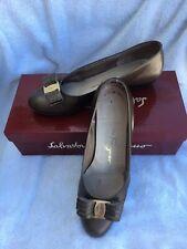 Salvatore Ferragamo 7 C Vara Bow Heel Bronze Leather Logo Pumps Italy