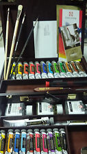 REMBRANDT MASTER LUXURY OIL BOX. 24 TUBES + AUXILIARY + ACCESSORIES.
