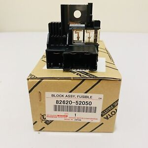 NEW GENUINE FOR TOYOTA 07-11 YARIS SCION 08-14 xD 82620-52050 FUSIBLE LINK BLOCK