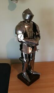Miniature knights suit of armour