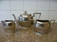 A VINTAGE,THREE PIECE SILVER PLATED TEA SET 'ROBERT PRINGLE & SONS' EPNS TEA SET