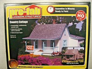 Woodland Scenics Pre-Fab Building Kit Country Cottage - HO Scale  1:87