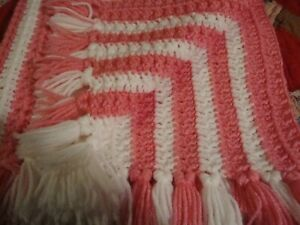 "Handmade White/Pink Pastel Knit Baby Quilt Crib Bedding 30"" x 27"" Nursery    254"