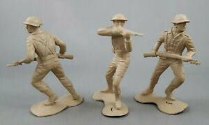 Marx Battleground Europe British Soldiers Tan Plastic Vintage Playset Lot of 3