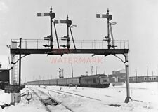 PHOTO  TAUNTON RAILWAY STATION COVERED IN SNOW 20-02-78