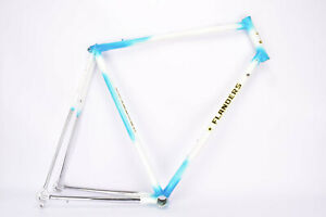 Blue and white Flanders frame in 61.5 cm (c-t) / 60 cm (c-c) from the 1980s
