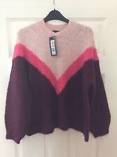 Ladies Burgundy/Pink geometric pattern jumper (size medium)