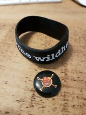 More details for earth vs the wildhearts rubber wristband and badge