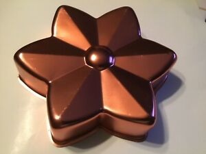 Vintage Copper Colored Aluminum Flower Shaped Jello Mold             #129/