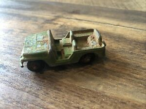 """Vintage TootsieToy Army Jeep Diecast Green Star 2 1/4"""" Long USA Made"""