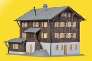 36811 Kibri Z Gauge Kit of a Farmhouse in Elm - NEW