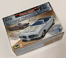 SEALED PARTS '72 Hurst Oldsmobile Cutlass 442 1972 OLDS CONVERTIBLE 1:25 REVELL