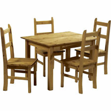 Möbel im Landhaus-Stil fürs Esszimmer