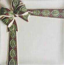 """Grasslands Road """"HOLIDAY PRESENTS"""" Accent Plate 3-D Bow embellishment 8"""" SQ"""