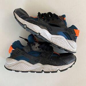 Nike HUARACHE RUN SNAKESKIN BLACK/HYPER CRIMSON-SPACE BLUE Sz 7.5W US 634835 084