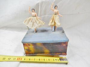ancienne boite à musique avec double danseuse