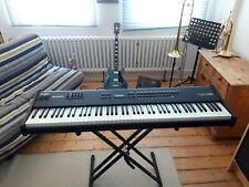 Alesis QS8 Keyboard / Synthesizer mit gewichteten Tasten