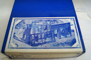 HO Classic Miniatures, The Ruins 2 in 1 kit #CM-22